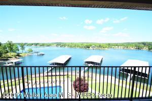 SMITH LAKE/MAIN CHANNEL-FULLY FURNISHED 3BR/2BA top floor unit at Duncan Bridge Resort. Stunning views, lakeside master, stainless appliances and solid surface countertops. Unit comes w/dedicated parking space and cov boat slip. Gated resort offers maintenance free living. Inground pool and grilling areas. $239,900