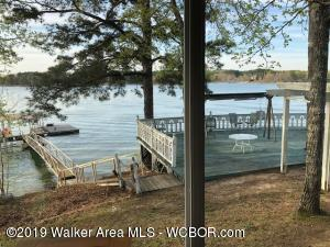 Contemporary 2 Story 3 Br 2.5 Ba. 111.78 wf on Smith Lake per subdivision plat.