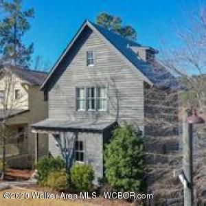 Waterfront cottage in Silverock Cove w/ open floor plan,shiplap walls  & wood floors.  Kitchen has granite, stainless appl & overlooks the dining & family rm w/ cozy fireplace. Spacious master suite w/ 2 closets + en-suite guest room up.  2nd family rm, BR#3, & full bath down. Screened porch & lower patio. Gated community w/ 2 pools, clubhouse, boardwalk, & dry boat storage/concierge.