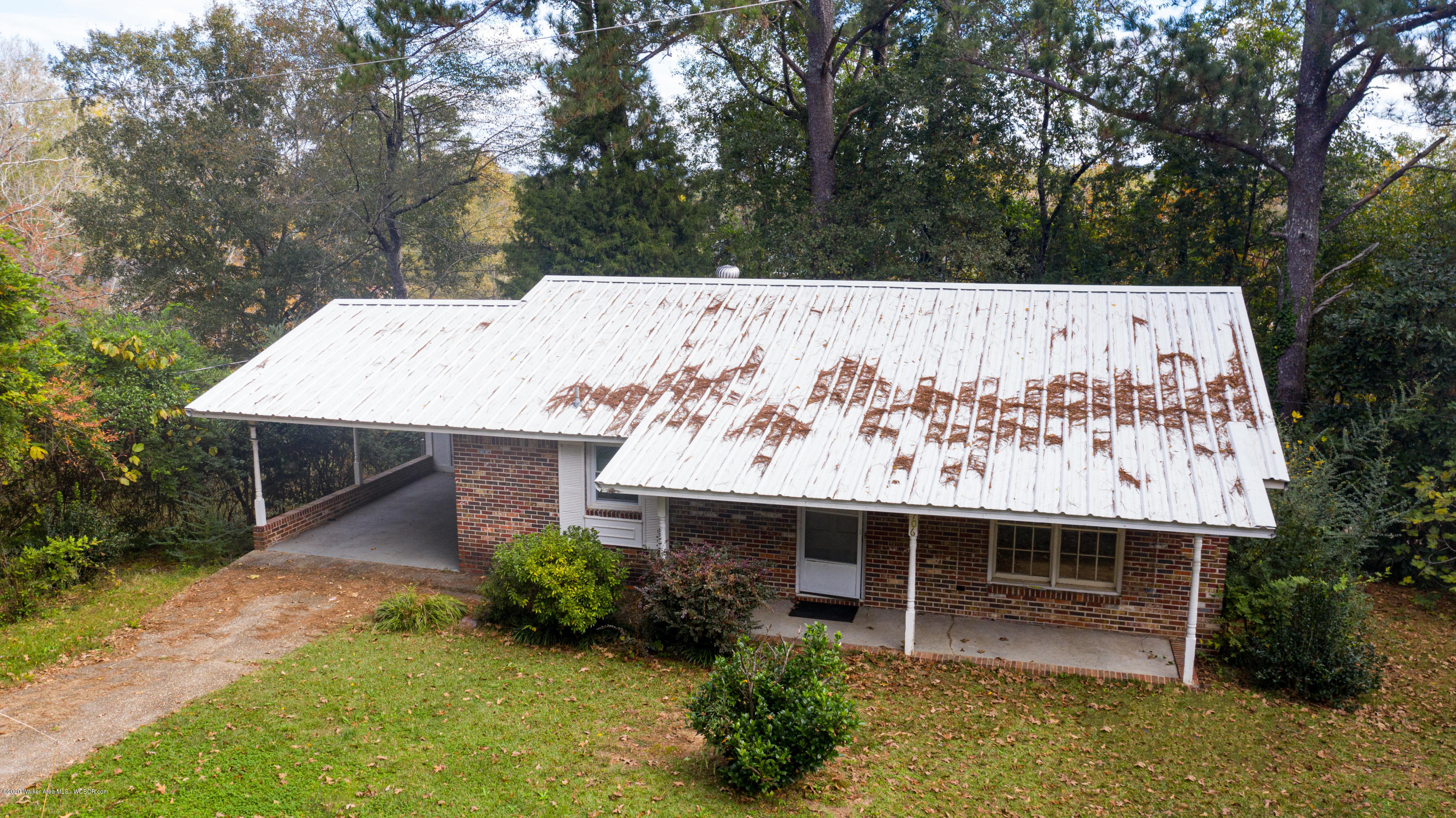 Photo of 706 1ST AVENUE NW Ave, Fayette, AL 35555