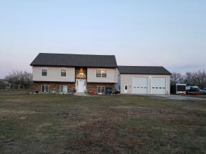 5486 Sweet Clover Ln, Williston, ND 58801