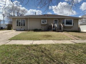 425 14th Ave W, Williston, ND 58801
