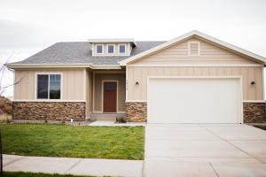 1419 Meadowlark Court, Watford City, ND 58854