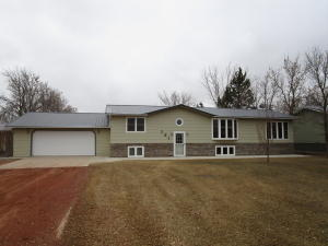 504 24th Ave SW, Watford City, ND 58854
