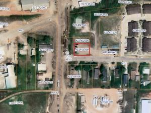309 1st St SE, Watford City, ND 58854