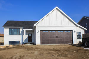 1508 Eagle View, Watford City, ND 58854