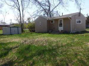 413 3rd Ave NE, Watford City, ND 58854