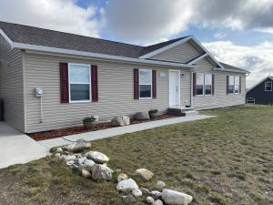 13071 Sandy St, Arnegard, ND 58835