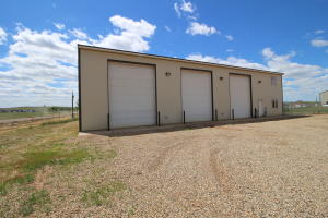 1421 22nd Ave NW, Watford City, ND 58854