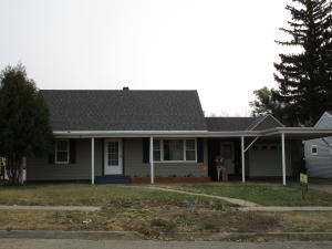 516 2nd St NE, Watford City, ND 58854