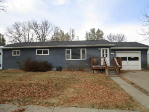 116 6th Ave NW, Watford City, ND 58854