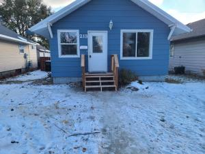 213 4th ST W, Williston, ND 58801