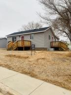 201 6th ST NE, Watford City, ND 58854
