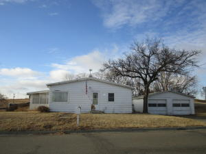 313 5th St NW, Watford City, ND 58854