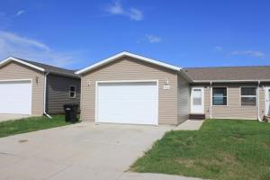 726 2nd St NE, Watford City, ND 58854