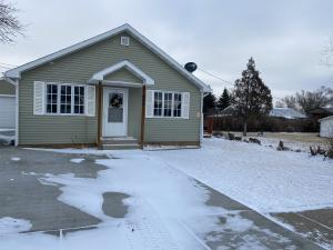 408 2nd Avenue NE, Watford City, ND 58854