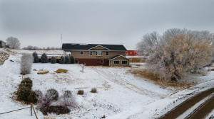 3105 11th St NE, Watford City, ND 58854