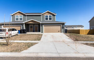 3302 10th Ave NE, Watford City, ND 58854