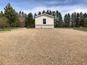 310 6th Ave W, Ray, ND 58849