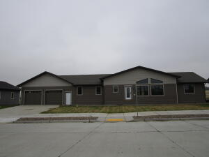 115 11th Ave NW, Watford City, ND 58854