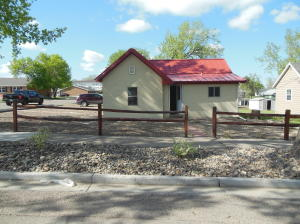 408 2nd Avenue NW, Watford City, ND 58854