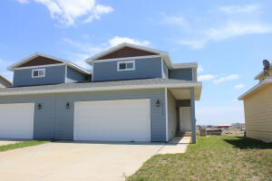 1130 9th St SW, Watford City, ND 58854