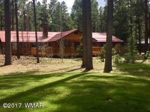 Gorgeous Custom home adjacent to the Fairway of Pinetop Country Club Golf course! Full 2 year old Trex deck (Partially covered) to enjoy the view