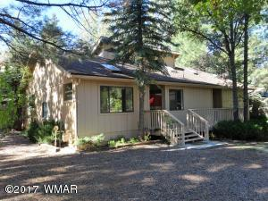 Cute 3 Bedroom 2 Bath Home in the Pinetop Lakes Country Club.