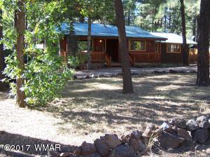 Comfortable cabin in beautiful Lakeside AZ