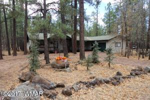 Beautiful 3 Bedroom 3 Bathroom Home in Desirable Pinetop Country Club.