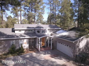 Gorgeous Golf & Country Club Estate Home