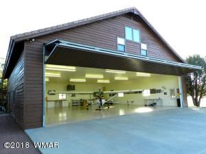 50' x 50' Hangar Space