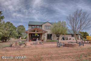 26 County Rd N8149, Vernon, AZ 85940