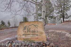 Greer Peaks Lodge