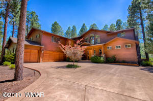 Torreon home with 4 bedrooms, 4.5 bathrooms, Game Room, balcony deck, 3 car garage, with amazing views of Cabin No. 2
