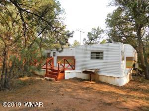2189 S Woods Drive, Overgaard, AZ 85933
