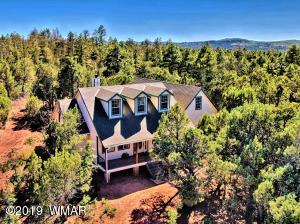 Perfectly located home backs up to the Apache-Sitgreaves National Forest!