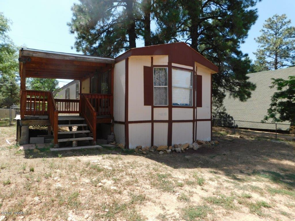 2BR/2BA Cavco manufactured home.  New flooring & freshly painted.  New Plumbing. Large greatroom, spacious kitchen, washer & dryer included.