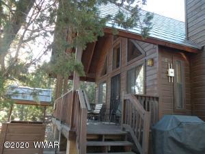 2742 Bobcat Crossing, Overgaard, AZ 85933