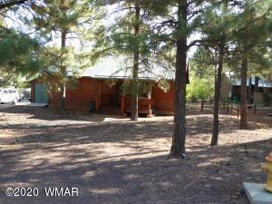 2688 Palomino Trail, Overgaard, AZ 85933