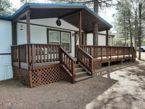 2188 S Woods Drive, Overgaard, AZ 85933