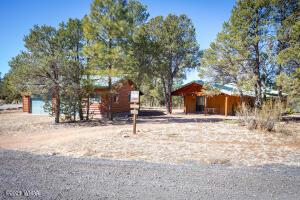 3324 Navajo Drive, Overgaard, AZ 85933