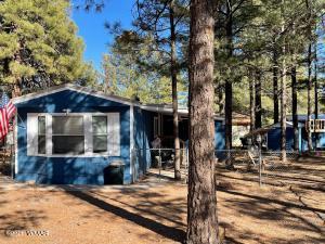 2853 Whispering Winds Drive, Overgaard, AZ 85933