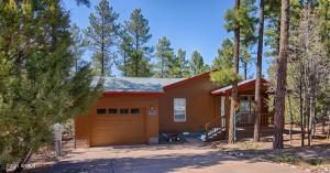2140 W Pine Grove Drive, Show Low, AZ 85901