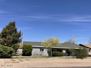 2011 N 1St Avenue, Holbrook, AZ 86025