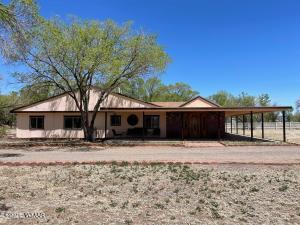 364 N Becker Lake Road, Springerville, AZ 85938