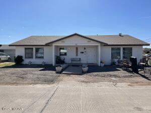 515 13th Avenue, Holbrook, AZ 86025