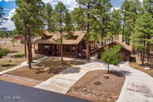 2246 Bear Claw Drive, Overgaard, AZ 85933