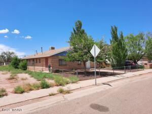 1017 N Apache Ave Winslow AZ Front view