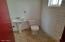1017 N Apache Ave Winslow AZ Bathroom 4